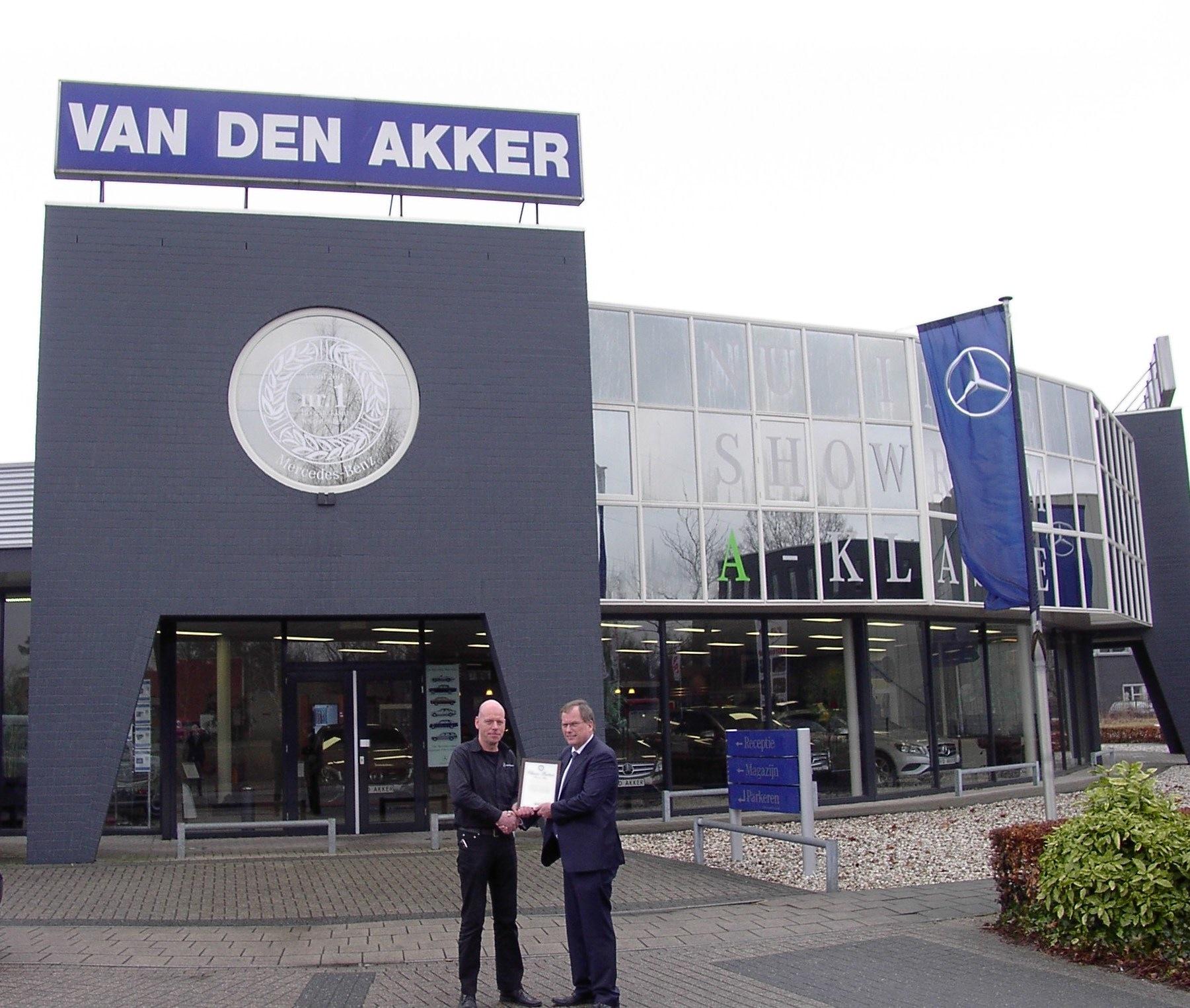 Van den Akker Mercedes-Benz uw Classic Partner
