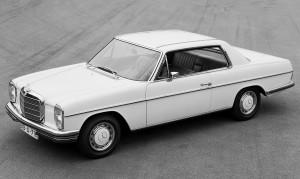 """De Mercedes-Benz coupés van de """"/8"""" W 115 en W 114 (1968 tot 1976) waren een toonbeeld van sportieve elegantie."""