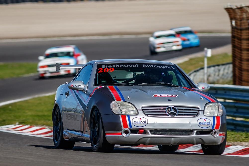 Mercedes benz slk race cup kick off zondag 29 11 for Mercedes benz cup